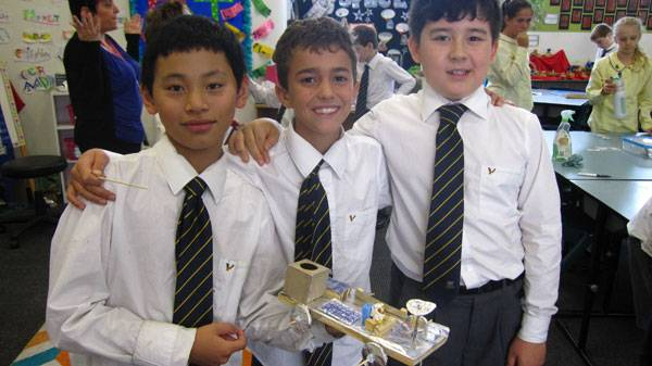 Making moon buggies - image boys_with_moon_buggie on https://www.johncolet.nsw.edu.au