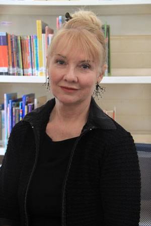 Introducing our librarian, Jenyne Hanson - image ms-hanson-small on https://www.johncolet.nsw.edu.au