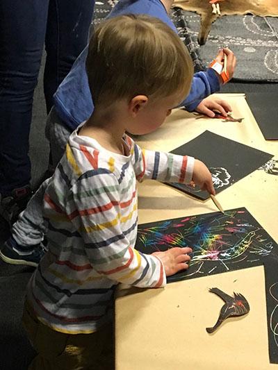 Mrs Gadsbys grandson at Australian Museum pre school indigenous art program web